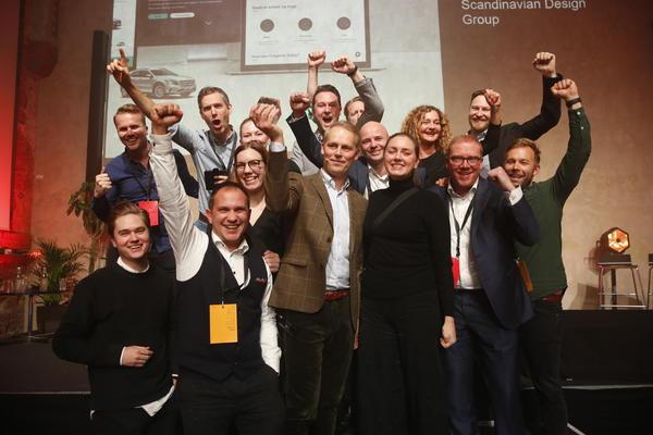 Fornøyde vinnere fra Easly av DOGA-prisen for beste tjenestedesign