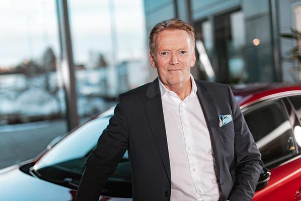 – EQC har alt vi her i Norge ønsker oss: rekkevidde på godt over 40 mil, firehjulstrekk og god bagasjeplass, sier Bjørn Maarud, konsernsjef i Bertel O. Steen.