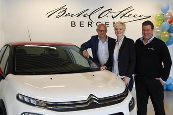 Bertel O. Steen Bergen, avd. Åsane. Geir Håvardstun, salgsjef Citroën, Monica Seilen Nilsen, daglig leder, Thomas Myhr Eide, selger Citroën