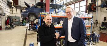 John Myhre og Morten Harsem under avtaleinngåelsen