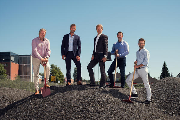Signering mellom Bertel O. Steen Eiendom og Norsk Stålbygg